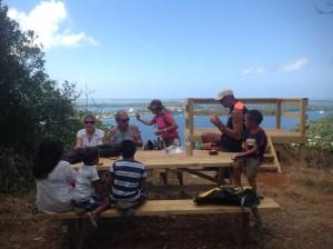 Mamma,Thor,Baard R, John K. Imbi, Carsten,Kristina og Jan. Rast på Tongas høyeste fjell.